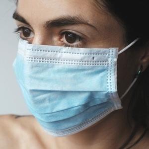 マスクに隠されたほうれい線
