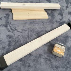 【DIY】キッチンのデッドスペースに、ホームセンターで購入した「パイン材」を使って棚を作る!※作業写真有り