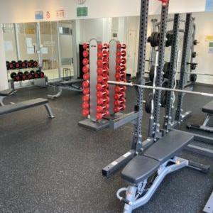 【はるみちダイエット】24時間ジムでトレーニング!クロストレーナーorランニングマシン。ベンチプレスも?