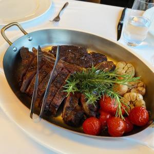 ステーキを食べながらコアの筋肉を考える@グランドハイアット ソウル