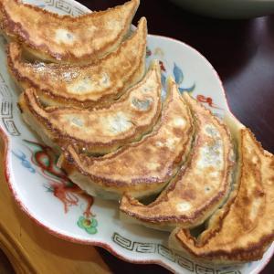 【池袋グルメ】食べログ百名店餃子選出、池袋の「東亭」に行きました。店内で餃子が食べられるのは週1回ランチタイムの2時間のみ。