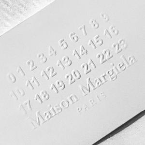 限定カラーの「タビ」ブーツも!「メゾン マルジェラ(MAISON MARGIELA TOKYO SHINJUKU ISETAN)」がリフレッシュオープン