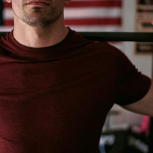 三角筋のバーベルトレーニング3選【短期間でメロン肩を作るための鍛え方】