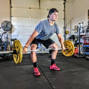 広背筋のバーベルトレーニング3選【広くたくましい背中を作るための筋トレ】