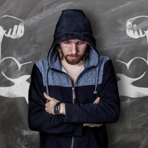上腕二頭筋の自重トレーニング2選【二の腕を鍛えて力こぶを作る方法】