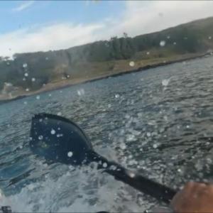 スプーンパドルでカヤックサーフィンにチャレンジ!