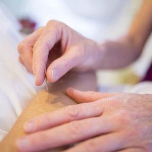 【体験記】鍼灸治療が慢性前立腺炎と過敏性腸症候群に効く?脈診とは?