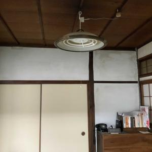 古民家の電灯をを和風傘に交換する