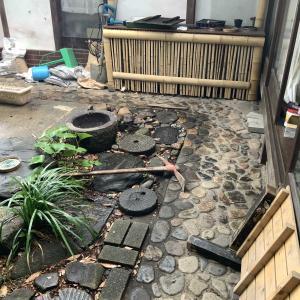 古民家の補修と言いつつ庭も改修しています
