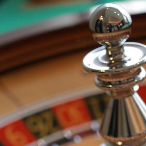 ルーレット(Roulette)の基本ルールと戦術を世界一わかりやすく解説
