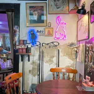 ワットポー近くの可愛いケーキカフェ【A Pink Rabbit + Bob】@ターティエン地区