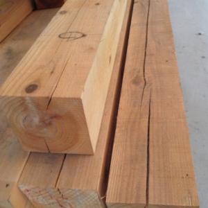 乾燥割れを生じた木材(柱や梁)は強い!?