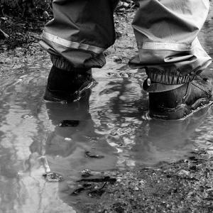 雨にも負けない最高のレインパンツ8選!アウトドアから街履きでもオススメ