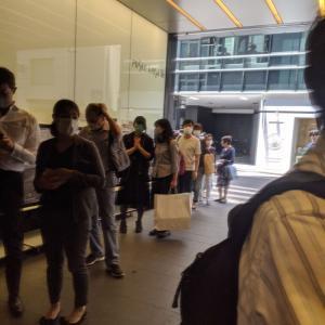 街に賑わい戻る。営業再開 People are returning to the city   Tokyo has been reopened