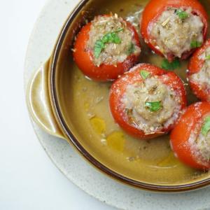 トマトのサルシッチャのオーブン焼き