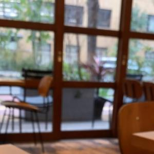 街中オアシスと直焙煎コーヒー☆ホワイトグラスコーヒー/福岡市・キャナルシティエリア