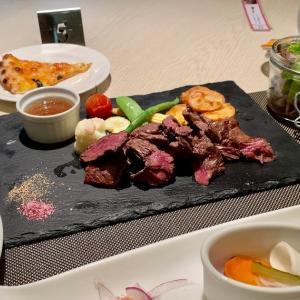 ステーキ食べ放題ランチ☆クラウンカフェ/福岡市・JR博多駅エリア