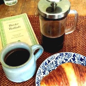 アンティーク小皿でコーヒーブレーク