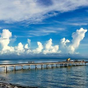 ドミニカ共和国のビーチ沿いで朝の散歩をしてきました
