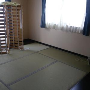 ミニマリストの寝室