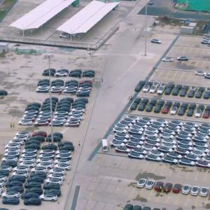 テスラGIGA上海、21年3Q輸出に向けて膨大な量の車を準備!