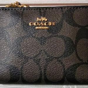 初めて買ったブランド財布