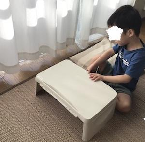 3COINSのキッズデスクを購入(4歳3ヶ月)