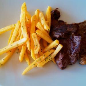 グランメールリゾートのポーランド産ビーフステーキ食べ放題ビュッフェを堪能する!・・・ドレスダイナー(与儀)