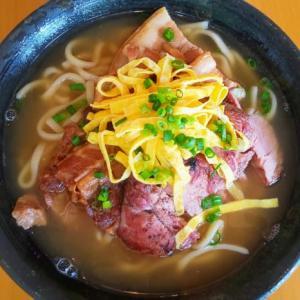 イタリアンで食べる沖縄そばが滅法美味い!肉の味が良いね~!!!・・・うちな~イタリアンSOLA(我如古)