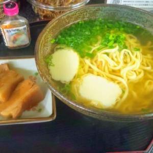 おふくろの副菜たっぷり!ベストな沖縄そば!久々にグッと来たね!・・・そば倶楽部かめはま(松山)