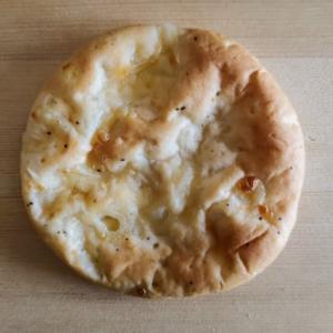 写真撮影不可という珍しいパン屋さんのフォカッチャが美味しい!・・・+W(宮城海岸)