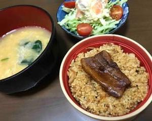 今日のお昼2357:角煮ご飯