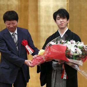 『藤井聡太二冠』棋聖の就位式に!18歳にして謝辞を述べる。今後の抱負は?
