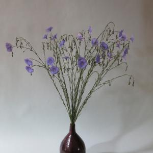 花入れ:亜麻 Vase, and Flax
