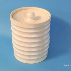 水指 Mizusashi(container for fresh-water)