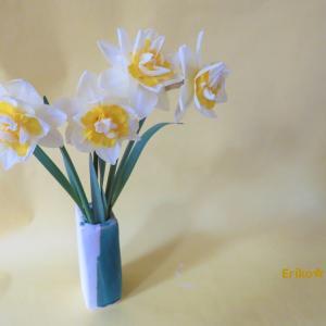 花入れ 水仙  Vase, and Narcissus