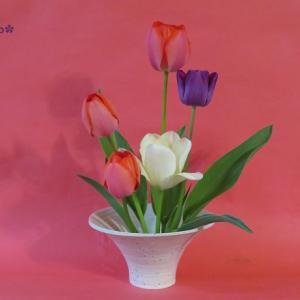 花器 チューリップ Vase, and Tulips