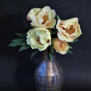 花瓶 ボタン Vase, and Peony