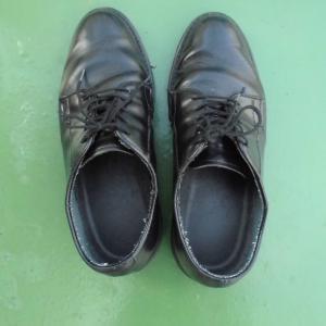 靴が攻撃的になった日