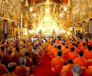 タイの祝日7月三宝節(アサラハ・ブーチャ)と入安居(カオパンサー)