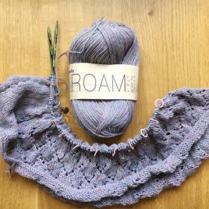 模様編みが順調に進んでいます ~Halcyon