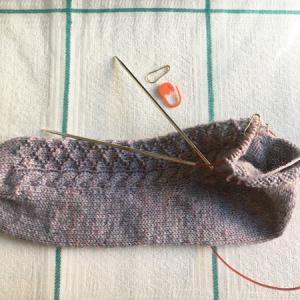 かかとで悩む ~Many Hands Sock