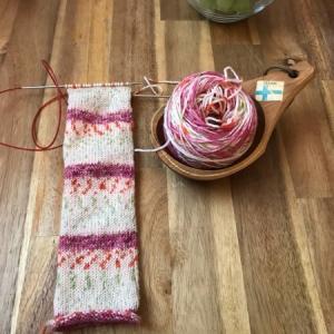 シュシュを編む、続き