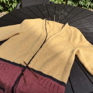 縁はi-cord編みにしました ~ひざ丈ロングカーディガン