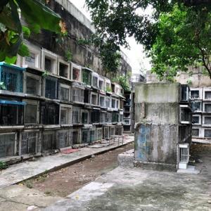 「フィリピンのお墓事情とハロウィン」 ~ハロウィンとはお盆のようなもの?その歴史と文化について。そして、お墓参りのシーンでさえ、どこまでも付いて回る貧富の差という現実、、、