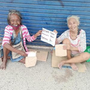 【あなたの素敵な笑顔が忘れられない】 ~ストリートチルドレンとホームレスに届けたクリスマスギフト (#フィリピン・セブ #国際協力NGO #海外ボランティア  #Merry Christmas and Happy New Year)