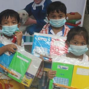 【子どもたちの未来を紡いで】 ~新学期の開始に向けて、山奥のスラムへ文房具を届けました。  (#SevenNotesInc. #フィリピンセブ #国際協力NGO #SDGs #スラムの貧困 #子どもの貧困)
