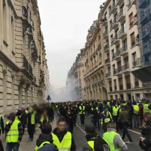 なぜフランスのデモは怒りと暴力に満ちるのか〜Stephane Hessel, Indignez-vous ! を読む