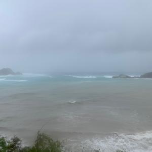 台風6号通過中(やっと)