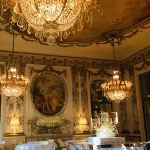 パリのパラスホテル【ル・ムーリス】で、最高級のブランチ。